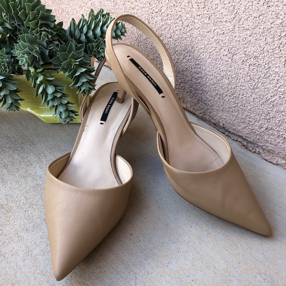 0d19b5e89246 Zara basic nude point toe sling back kitten heels.  M 5bbcd4623e0caac2af5ddbc9